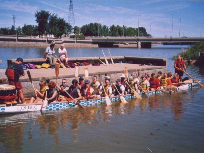 Participation de ZIPQCH à la course de bateaux-dragons sur la Saint-Charles au premier festival chinois de Québec